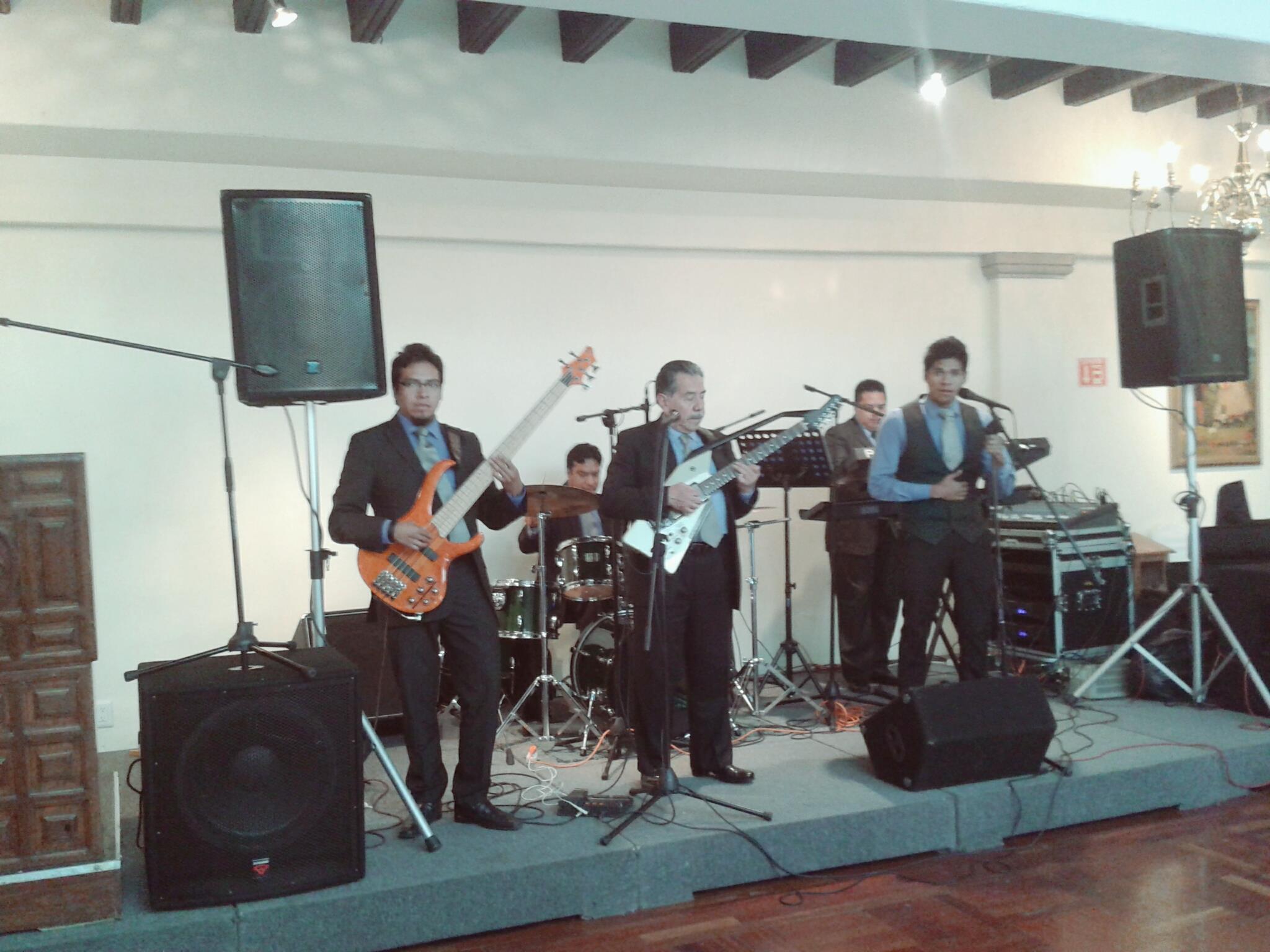 GRUPO MUSICAL en la hacienda